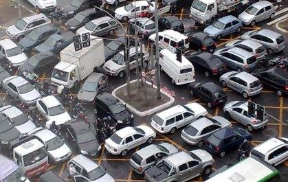 a crazy traffic jam